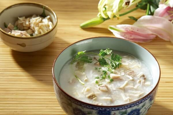 Khi bị đau dạ dày buồn nôn, đi ngoài nên ăn gì, kiêng ăn gì?