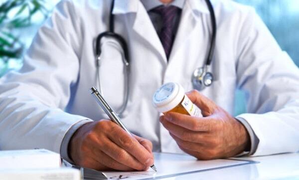 Đau dạ dày có được uống thuốc giảm đau không?