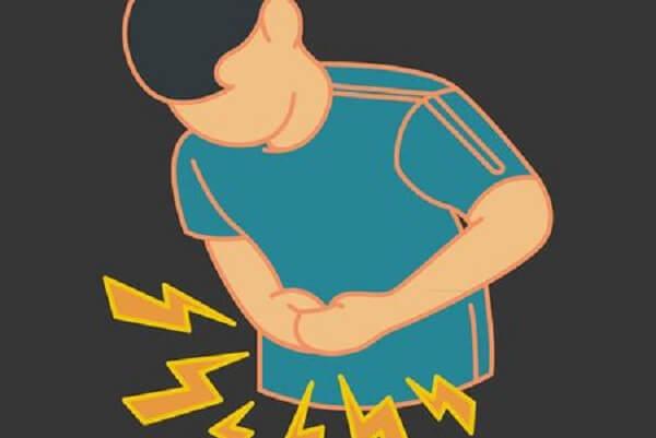 Cơn đau cũng có thể lan rộng ra phía sau lưng hoặc lan lên tận ngực.