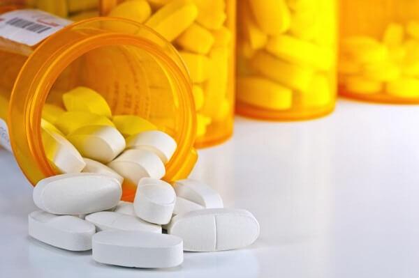 Sử dụng nhiều thuốc kháng viêm và giảm đau - Triệu chứng, dấu hiệu viêm loét dạ dày tá tràng