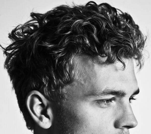 Kiểu tóc này thường được lựa chọn bởi những chàng trai yêu nghệ thuật