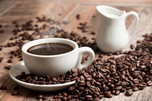 Hạn chế uống cafe - Bị bệnh đau dạ dày có nên ăn bánh mì không