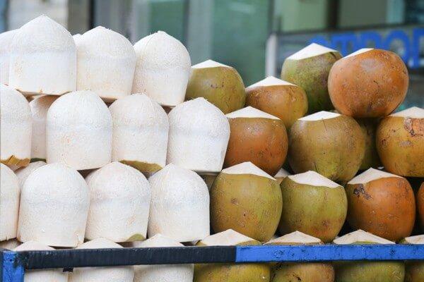 Lưu ý khi uống nước dừa cho người bị đau dạ dày