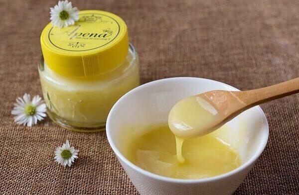 Một số lưu ý khi sử dụng sữa ong chúa chữa đau dạ dày