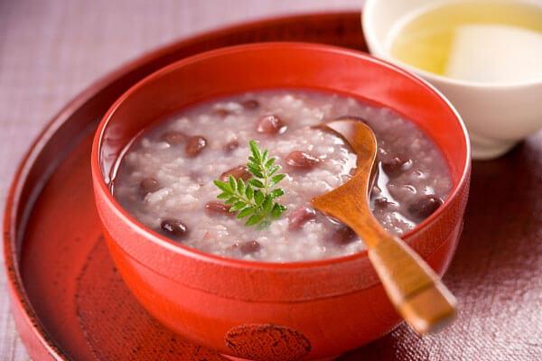Cháo gạo nếp táo đỏ - Người bị đau bao tử, đau dạ dày nên ăn cháo gì tốt