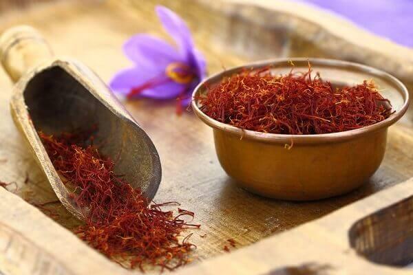 Nhụy hoa nghệ tây có tác dụng gì, công dụng, nhụy hoa nghệ tây làm đẹp, bán nhụy hoa nghệ tây