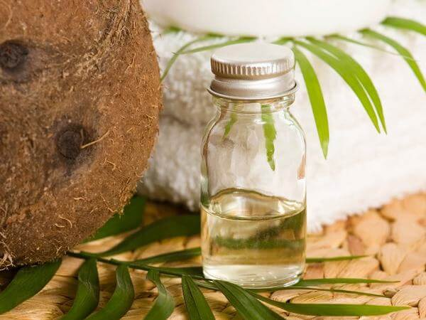 Tác dụng của dầu dừa với lông mi, dùng dầu dừa dưỡng mi có tốt không?