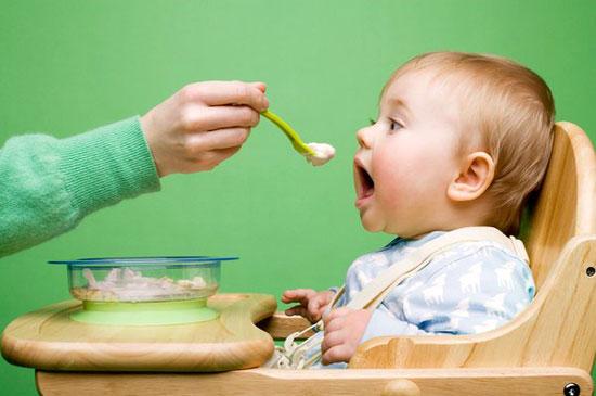 Trào ngược dạ dày thực quản có ảnh hướng tới sự phát triển của trẻ?
