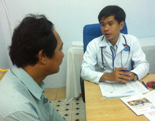 Triệu chứng của bệnh đau vùng thượng vị (đau bụng trên rốn)