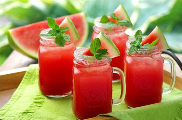 Uống nước ép trái cây mỗi ngày có tốt không ?