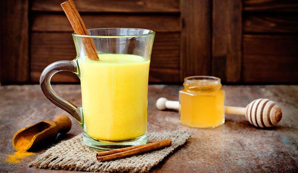 Uống nước nghệ tươi tốt cho người bị tiểu đường