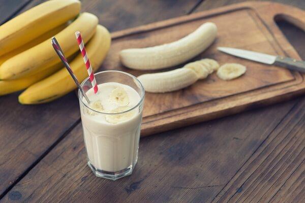 Cách làm sinh tố chuối dứa sữa chua giảm cân, 4 tác dụng của việc sinh tố chuối uống có mập không?