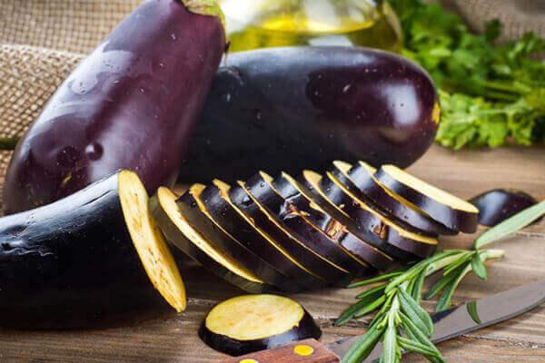 Cà tím - Bệnh đau dạ dày nên ăn gì tốt, đau bao tử kiêng ăn thực phẩm nào