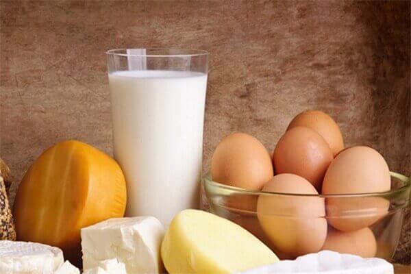 Nhóm thực phẩm trứng sữa - Bệnh đau dạ dày nên ăn gì, đau bao tử kiêng ăn thực phẩm nào