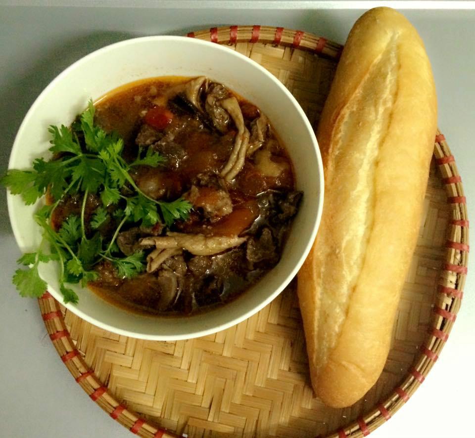 Thịt bò sốt vang - các món ăn ngon với thịt bò