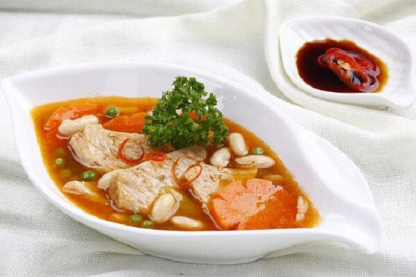 Món chay đãi tiệc với sườn chay nấu đậu - các món ăn chay đãi tiệc