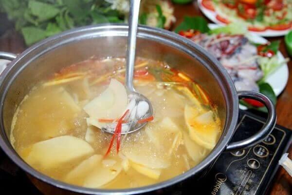 Lẩu gà măng chua - các món ngon đãi tiệc từ thịt gà