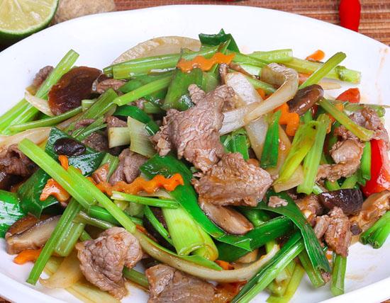 Thịt bò xào cần - món ngon mỗi ngày từ thịt bò