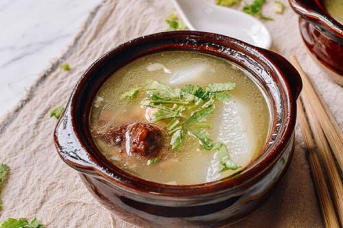 Canh củ cải đuôi bò - các món ngon từ thịt bò dễ làm