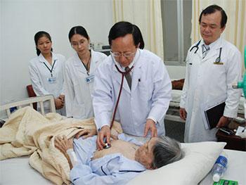 Bác sĩ chuyên khoa Tim mạch Phạm Nguyễn Vinh