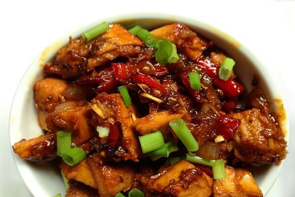 Gà xào sả ớt - Danh sách các món gà đãi tiệc đơn giản dễ làm