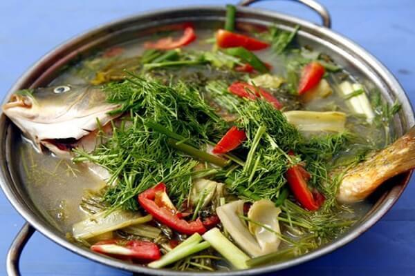 Lẩu cá chép dưa cải chua