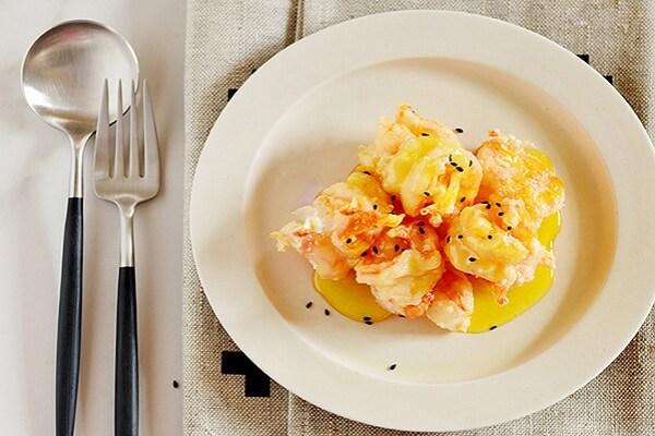 Món 12. Tôm sốt bơ cam - món ngon tôm hùm