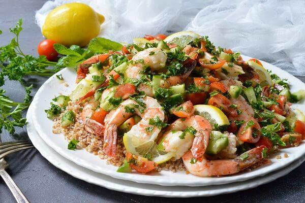 Món 5. Salad tôm - các món ăn ngon từ tôm
