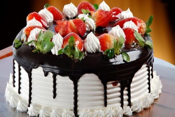 3 cách làm bánh kem sinh nhật đơn giản tại nhà