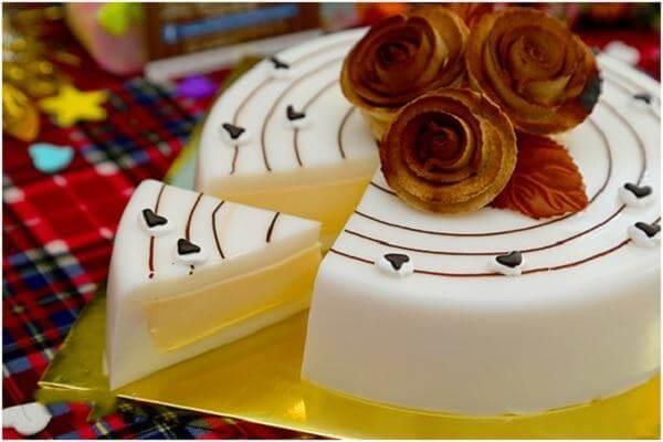 Bánh sinh nhật rau câu nhân flan đẹp mắt, hấp dẫn (Ảnh: Internet)