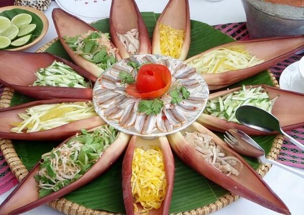 Rau bắp chuối được chế biến thành nhiều món ăn khác nhau.