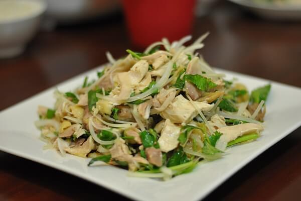 Cách làm gỏi gà rau răm ngon nhất chuẩn khẩu vị Việt