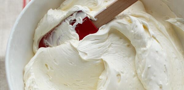 Cách làm kem bơ trang trí bánh sinh nhật bằng lòng trắng trứng