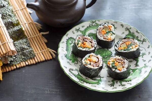 Kimbap và Sushi khác nhau thế nào, 6 điểm phân biệt giữa Sushi và KimBap đơn giản dễ nhận biết