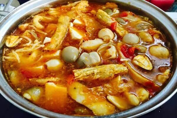 Đổi mới bữa ăn thêm phong phú với cách nấu lẩu thái chay