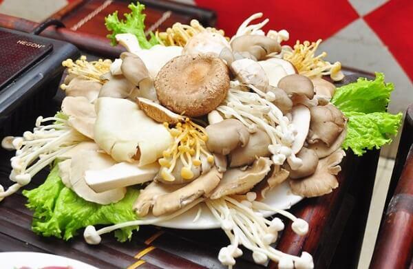 Cách nấu lẩu Thái nấu nấm thơm ngon đơn giản
