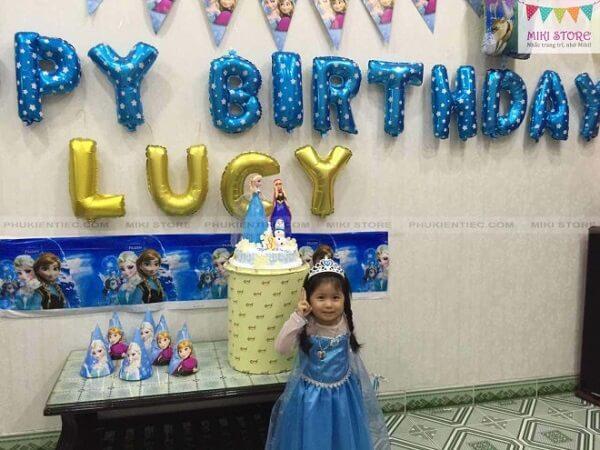 Trang trí sinh nhật tại nhà cho con gái chủ đề Elsa