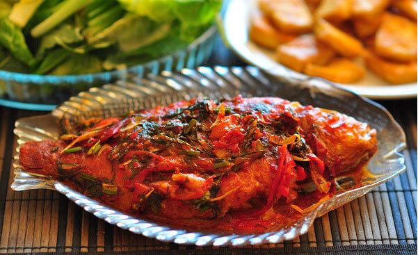 Cá rô phi chiên sốt chua ngọt – Giúp em lên thực đơn hàng ngày cho gia đình miền Nam dễ làm