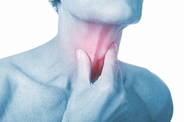 Đau rát cổ họng khó nuốt: Nguyên nhân và cách điều trị dứt điểm