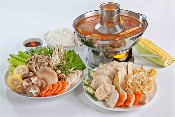 Cách nấu lẩu Thái chua cay hải sản thập cẩm ngon, đơn giản nhất