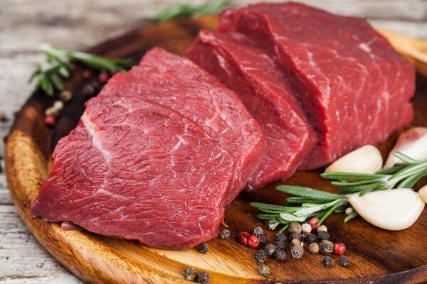 Thịt bò là một loại thịt có chứa rất nhiều dưỡng chất