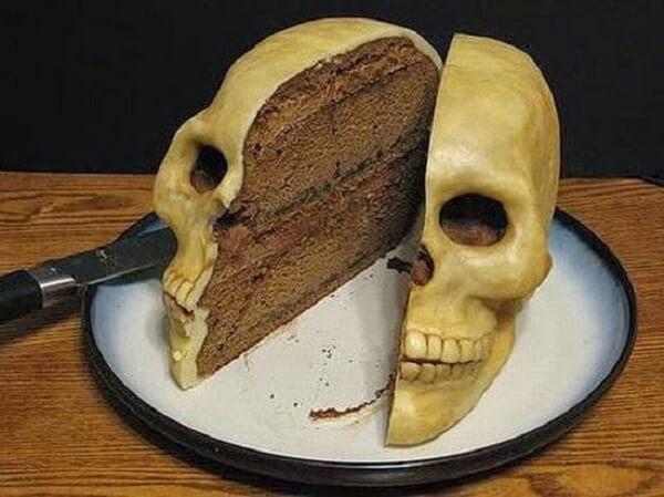 Bánh sinh nhật hình đầu lâu