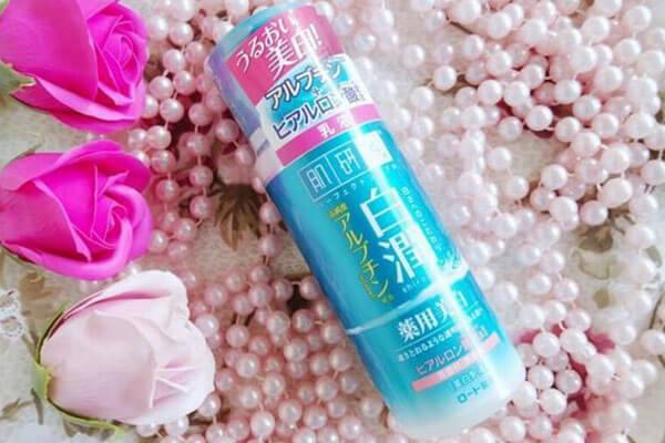 Nước hoa hồng Hada Labo Nhật review: có tốt cho da khô, da dầu ko