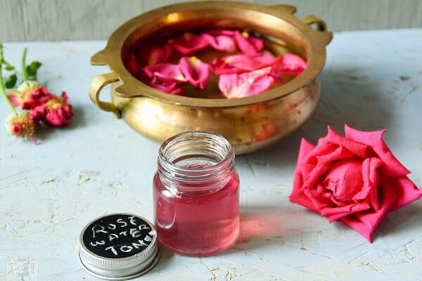 Nước hoa hồng là gì – Các loại nước hoa hồng phù hợp từng loại da, Nước hoa hồng có tác dụng gì – Các loại nước hoa hồng 2018