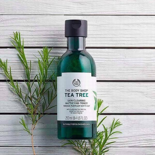 Nước hoa hồng The Body Shop tea tree skin clearing toner Làm tươi tắn làn da để làm sáng da hiệu quả, loại bỏ các vết tạp chất trong khi mang lại cho làn da .