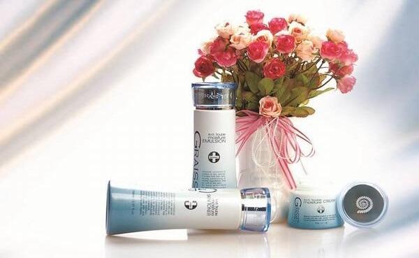 Nước hoa hồng phục hồi và dưỡng ẩm Graisset Repair Moisture Skin Toner ... Graisset và Berpia là thương hiệu của tập đoàn mỹ phẩm Hansol Hàn Quốc.