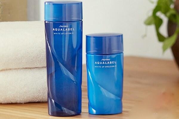 Nước hoa hồng của Nhật Shiseido Aqualabel White Up Lotion màu xanh