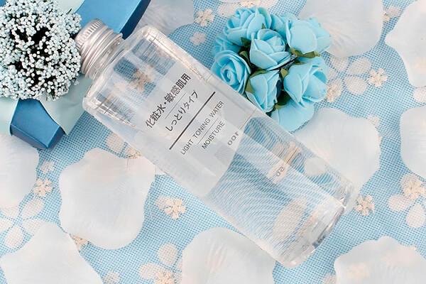 Nước hoa hồng dành cho da hỗn hợp Muji Light Toning Water Moisture