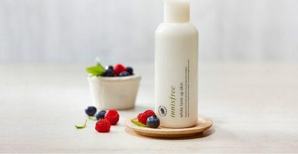 Review nước hoa hồng innisfree white tone up skin 200ml (Da Dầu Và Hỗn Hợp)