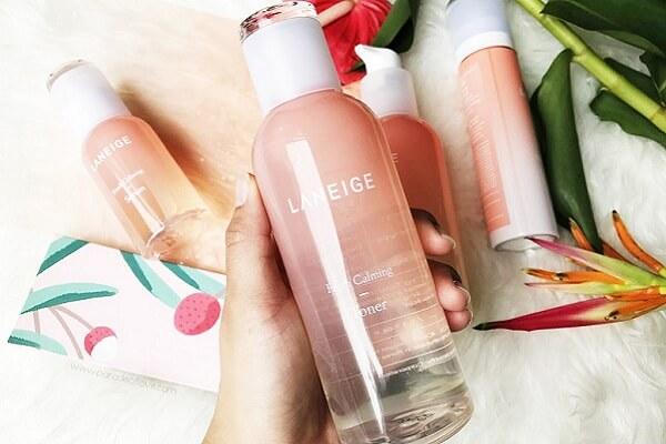 Nước hoa hồng Laneige Fresh Calming dành cho da dầu (chai màu hồng)